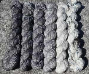 Fluffy Minis - Stones Gradient